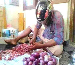 funny onion cutting